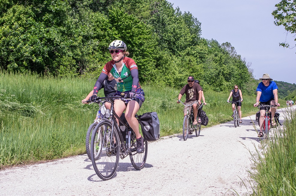 Bike riders, photo courtesy of Pedaler's Jamboree: copyright Kevin Dingman, 2013