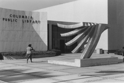 """""""La Colomba"""" sculpture at the old 100 W. Broadway building, 1980"""