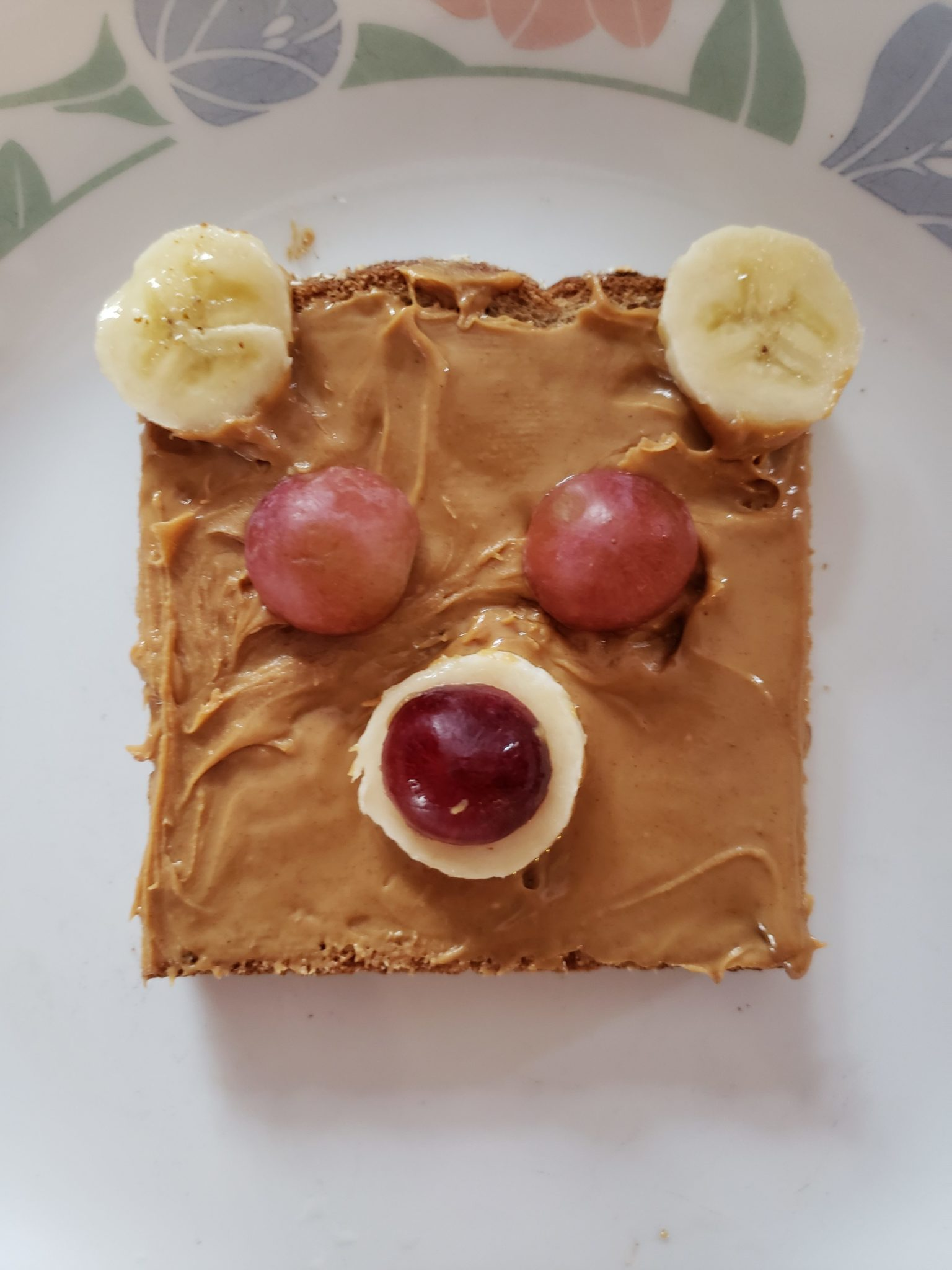 Teddy Bear Toast using sweet ingredients